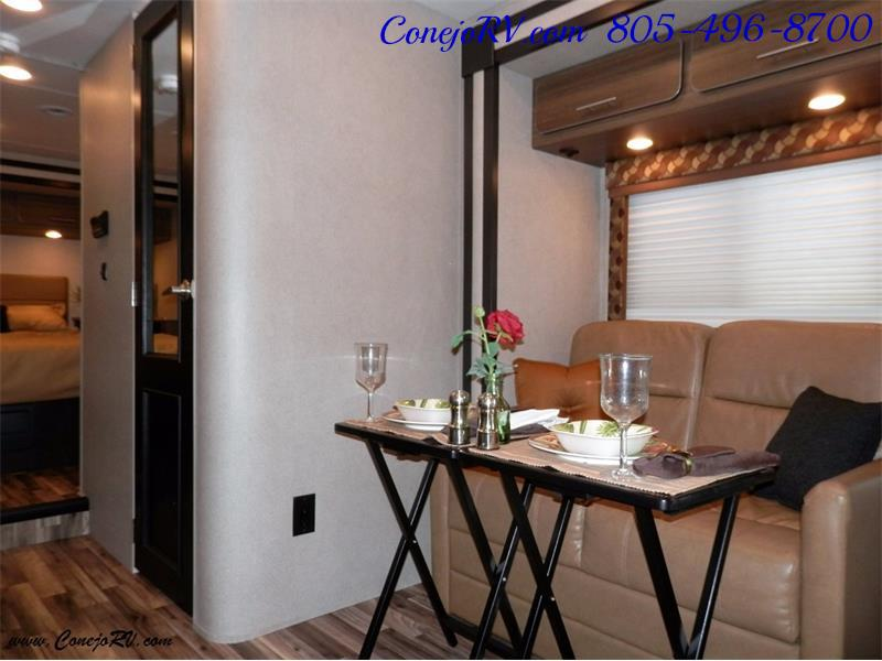 2016 Renegade RV Villagio 25QRS 2-Slide-Out Full Body Paint Diesel - Photo 6 - Thousand Oaks, CA 91360