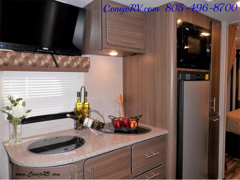 2016 Renegade RV Villagio 25QRS 2-Slide-Out Full Body Paint Diesel - Photo 10 - Thousand Oaks, CA 91360