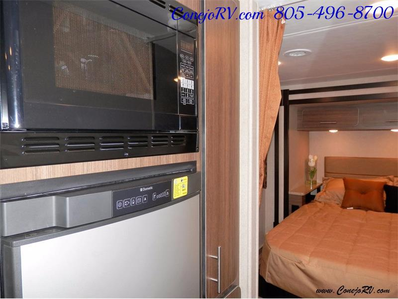2016 Renegade RV Villagio 25QRS 2-Slide-Out Full Body Paint Diesel - Photo 12 - Thousand Oaks, CA 91360