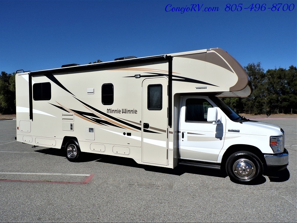 2017 Winnebago Minnie Winnie 27Q Ford E-450 Slide Out - Photo 3 - Thousand Oaks, CA 91360