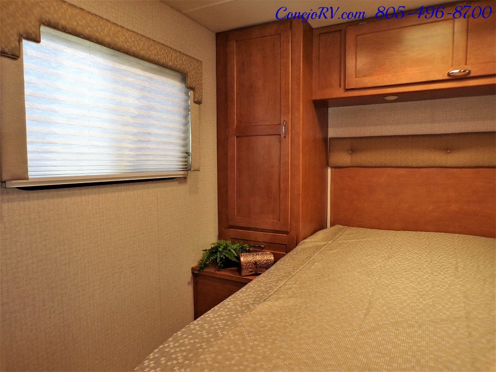 2017 Winnebago Minnie Winnie 27Q Ford E-450 Slide Out - Photo 19 - Thousand Oaks, CA 91360