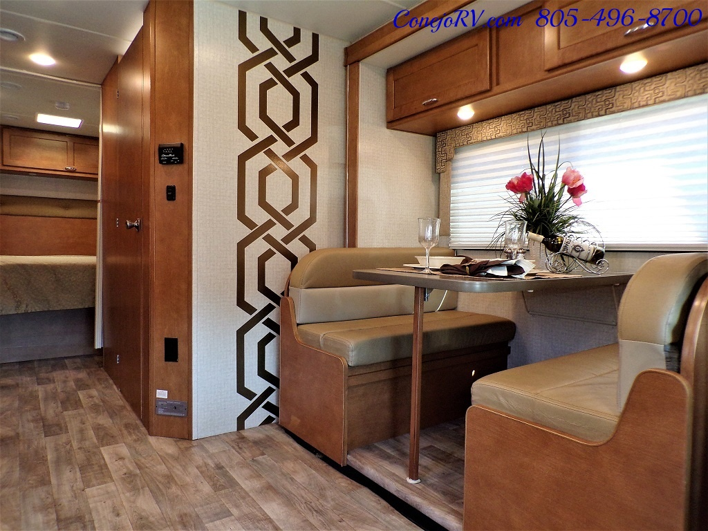 2017 Winnebago Minnie Winnie 27Q Ford E-450 Slide Out - Photo 6 - Thousand Oaks, CA 91360
