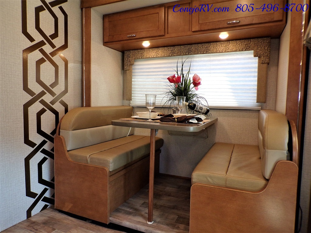 2017 Winnebago Minnie Winnie 27Q Ford E-450 Slide Out - Photo 8 - Thousand Oaks, CA 91360