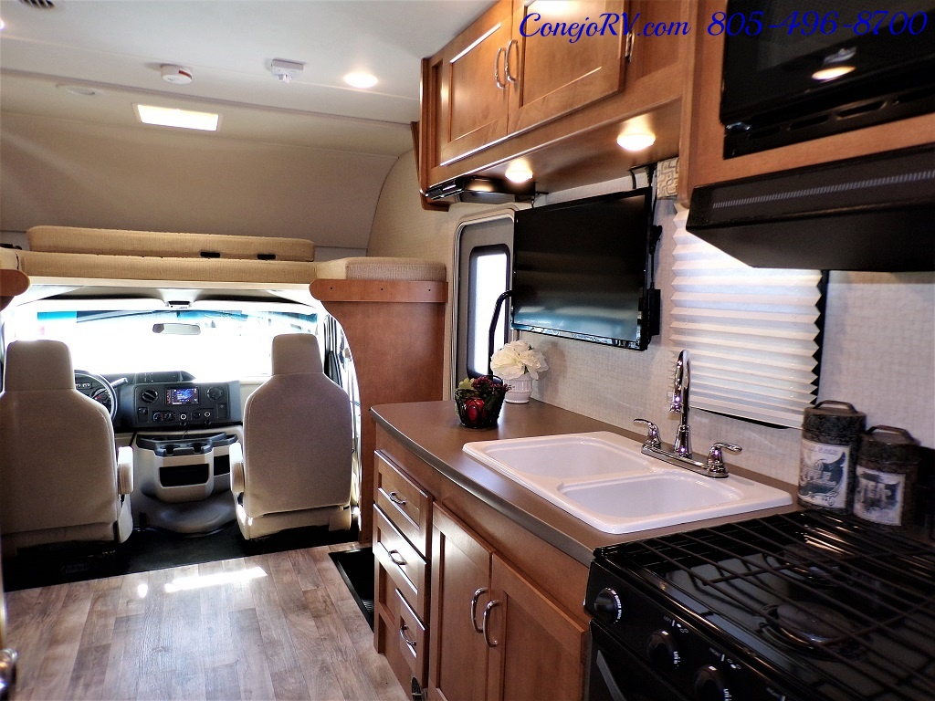 2017 Winnebago Minnie Winnie 27Q Ford E-450 Slide Out - Photo 24 - Thousand Oaks, CA 91360