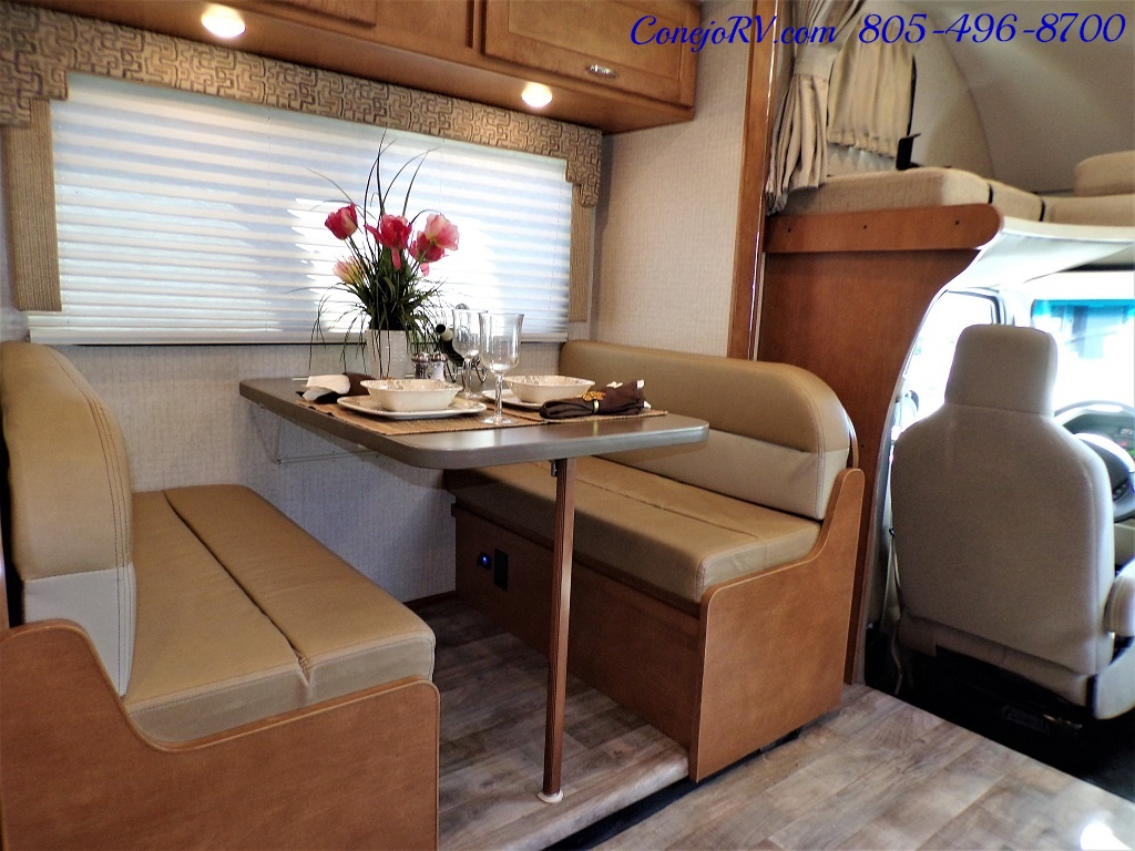 2017 Winnebago Minnie Winnie 27Q Ford E-450 Slide Out - Photo 10 - Thousand Oaks, CA 91360