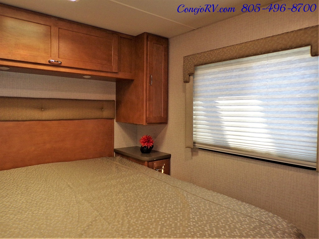 2017 Winnebago Minnie Winnie 27Q Ford E-450 Slide Out - Photo 20 - Thousand Oaks, CA 91360