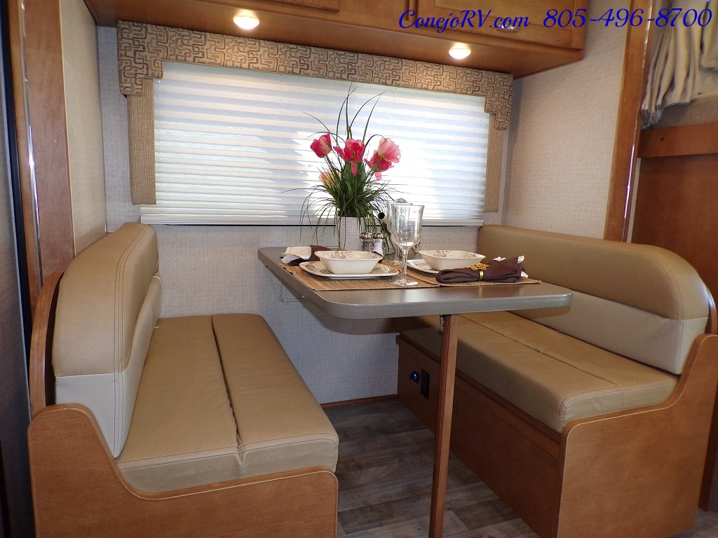2017 Winnebago Minnie Winnie 27Q Ford E-450 Slide Out - Photo 9 - Thousand Oaks, CA 91360