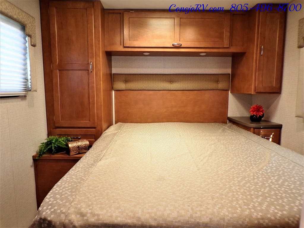 2017 Winnebago Minnie Winnie 27Q Ford E-450 Slide Out - Photo 18 - Thousand Oaks, CA 91360