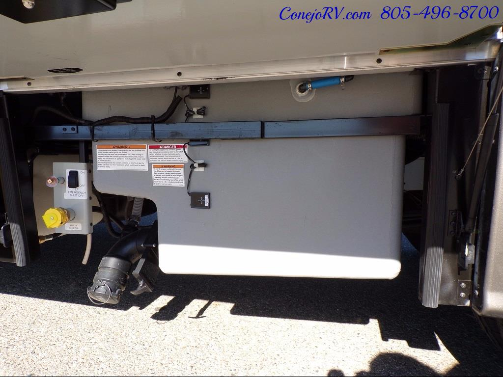 2018 Winnebago Navion 24V Slide-Out Full Body Paint Turbo Diesel - Photo 39 - Thousand Oaks, CA 91360