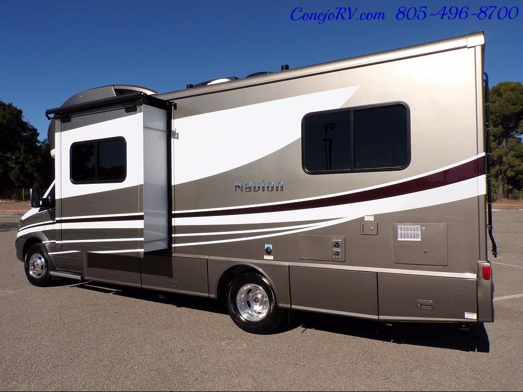 2018 Winnebago Navion 24V Slide-Out Full Body Paint Turbo Diesel - Photo 4 - Thousand Oaks, CA 91360