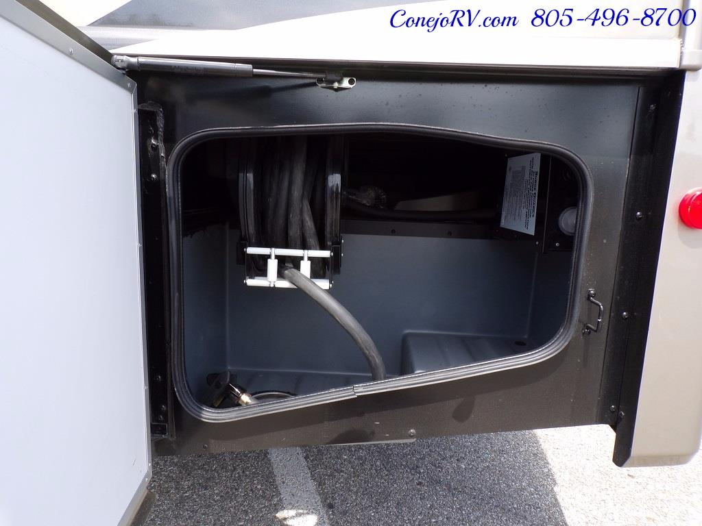 2018 Fleetwood Bounder LX 35K Bath and Half King Bed - Photo 44 - Thousand Oaks, CA 91360