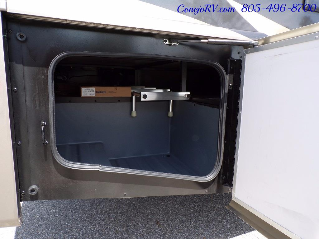 2018 Fleetwood Bounder LX 35K Bath and Half King Bed - Photo 38 - Thousand Oaks, CA 91360