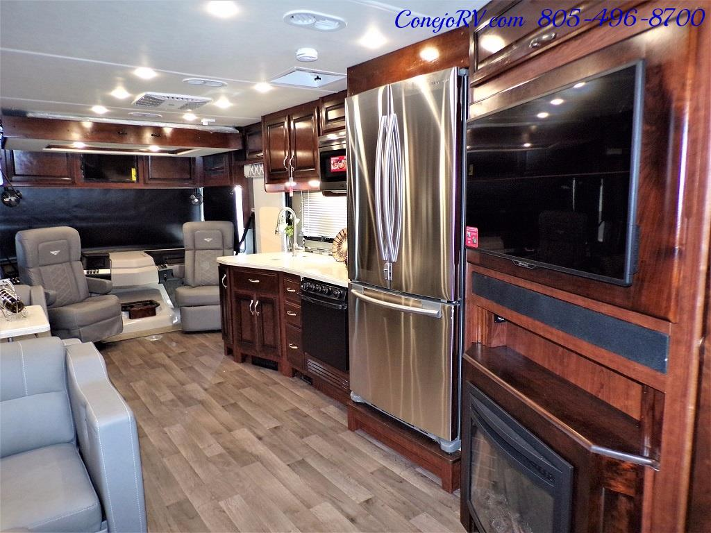 2018 Fleetwood Bounder LX 35K Bath and Half King Bed - Photo 31 - Thousand Oaks, CA 91360