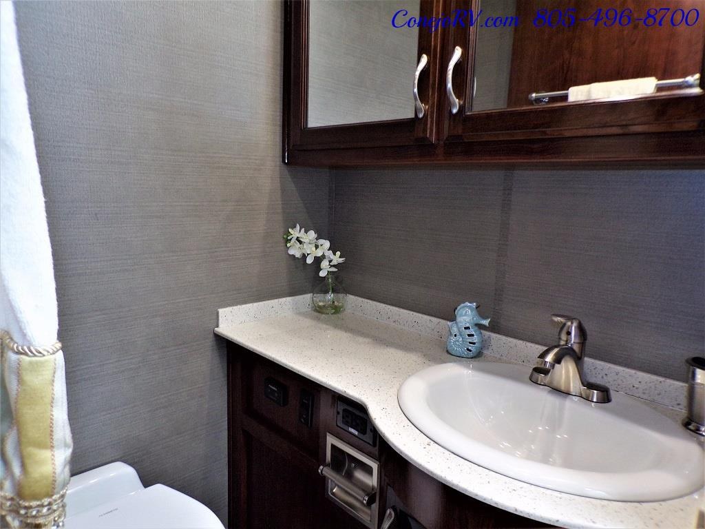 2018 Fleetwood Bounder LX 35K Bath and Half King Bed - Photo 26 - Thousand Oaks, CA 91360