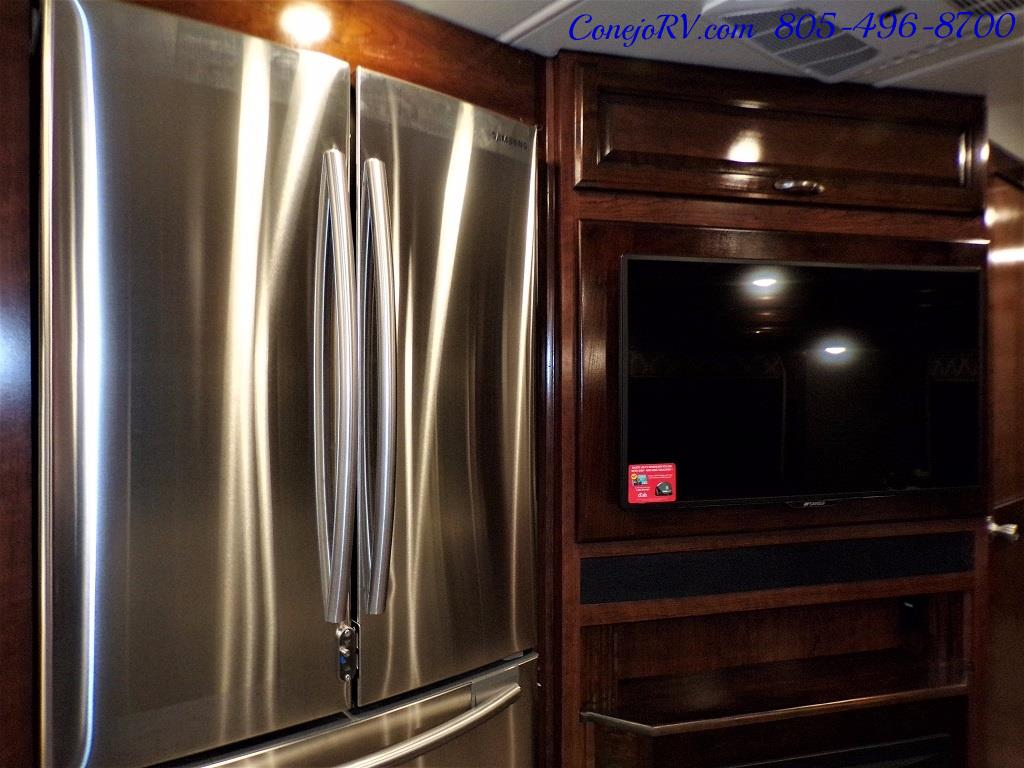 2018 Fleetwood Bounder LX 35K Bath and Half King Bed - Photo 19 - Thousand Oaks, CA 91360