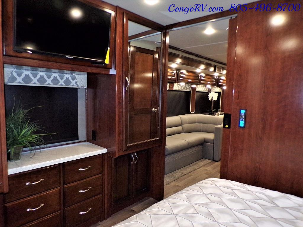 2018 Fleetwood Bounder LX 35K Bath and Half King Bed - Photo 23 - Thousand Oaks, CA 91360