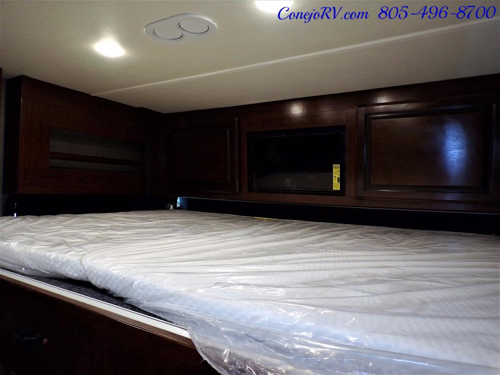 2018 Fleetwood Bounder LX 35K Bath and Half King Bed - Photo 34 - Thousand Oaks, CA 91360