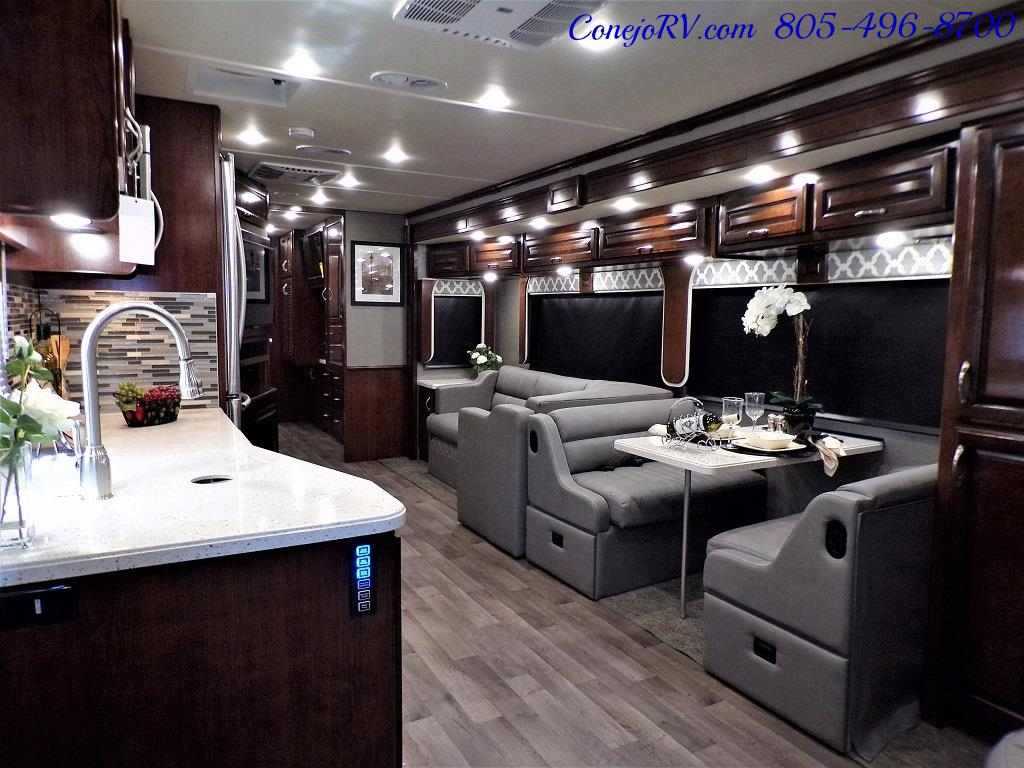 2018 Fleetwood Bounder LX 35K Bath and Half King Bed - Photo 8 - Thousand Oaks, CA 91360