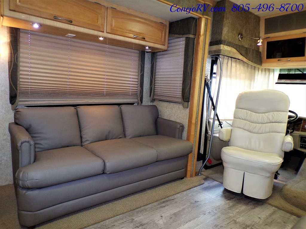 2005 Fleetwood Pace Arrow 37C Triple Slide - Photo 10 - Thousand Oaks, CA 91360