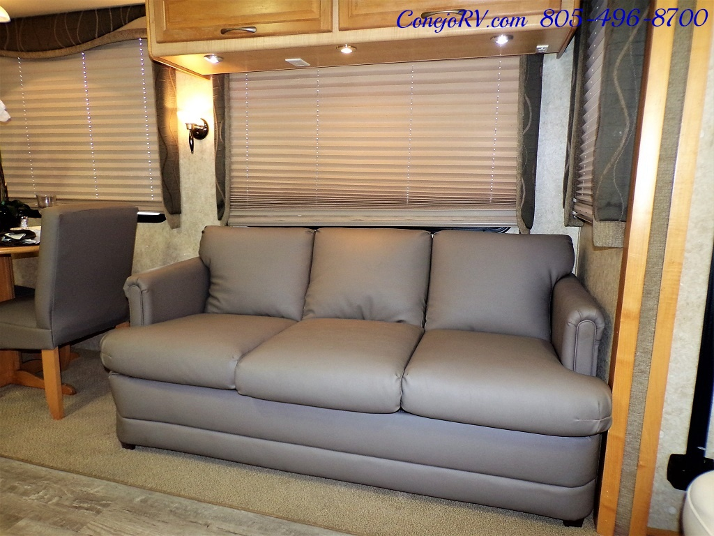 2005 Fleetwood Pace Arrow 37C Triple Slide - Photo 8 - Thousand Oaks, CA 91360