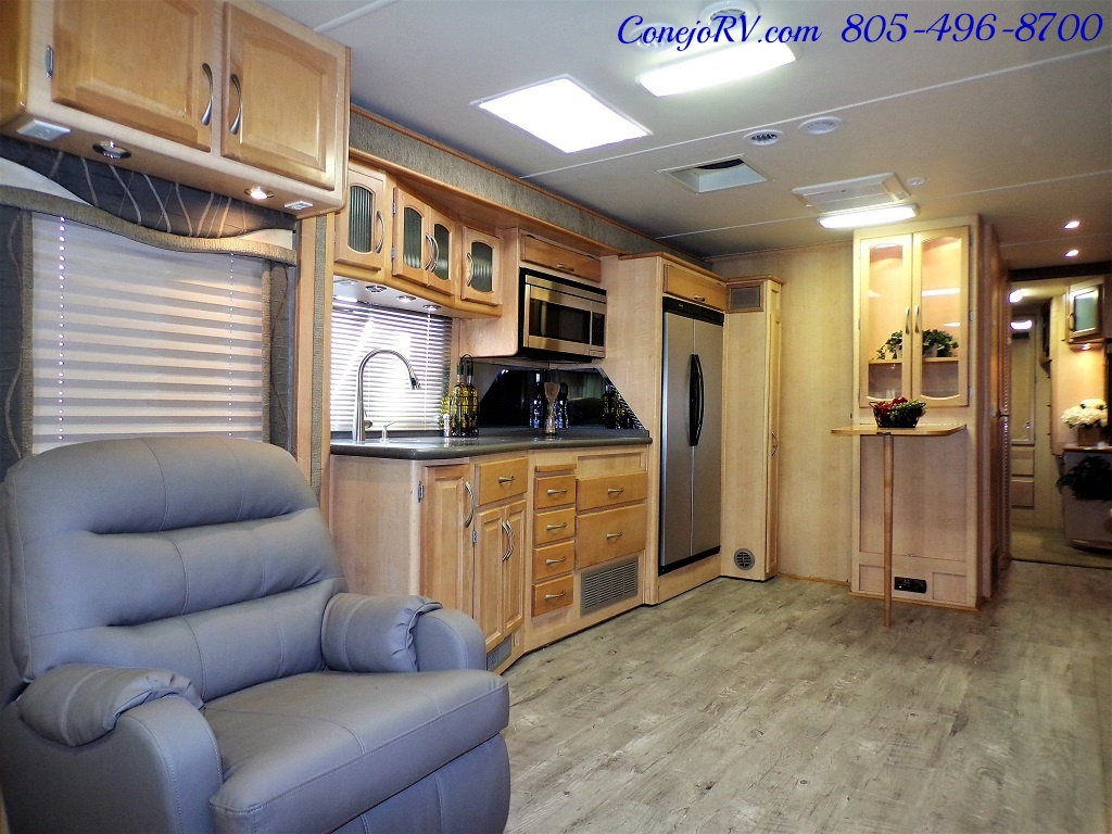 2005 Fleetwood Pace Arrow 37C Triple Slide - Photo 7 - Thousand Oaks, CA 91360