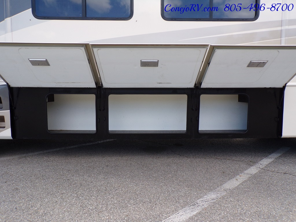 2005 Fleetwood Pace Arrow 37C Triple Slide - Photo 33 - Thousand Oaks, CA 91360