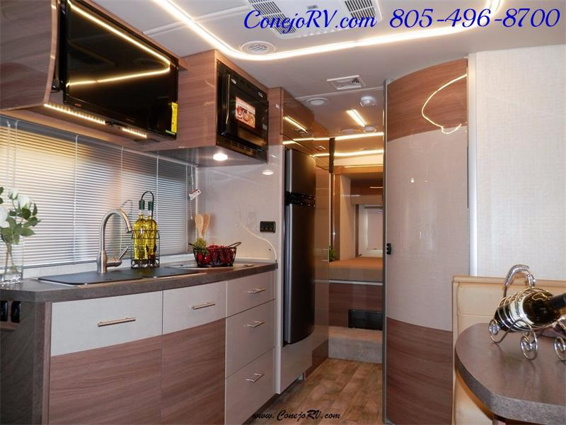 2017 Winnebago Itasca Navion 24G 2-Slides Full Body Paint Diesel - Photo 9 - Thousand Oaks, CA 91360
