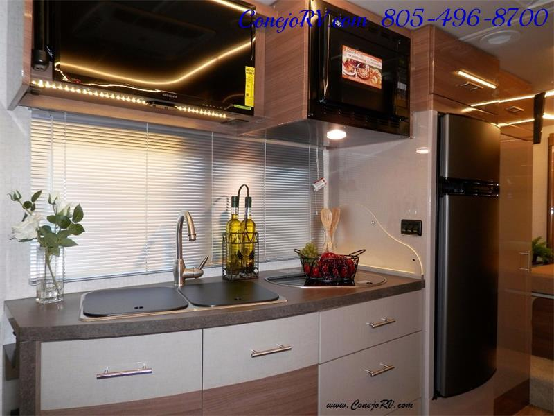 2017 Winnebago Itasca Navion 24G 2-Slides Full Body Paint Diesel - Photo 13 - Thousand Oaks, CA 91360