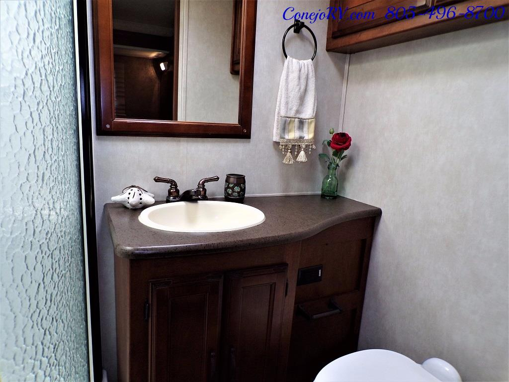 2013 Coachmen Mirada 34BH Bunkhouse Under 9K Miles - Photo 19 - Thousand Oaks, CA 91360
