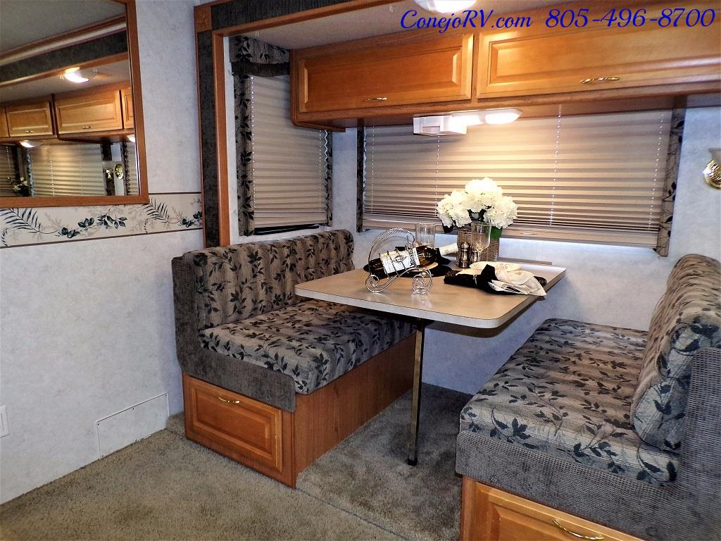 2001 Fleetwood Bounder 33R Double Slide Outs - Photo 11 - Thousand Oaks, CA 91360
