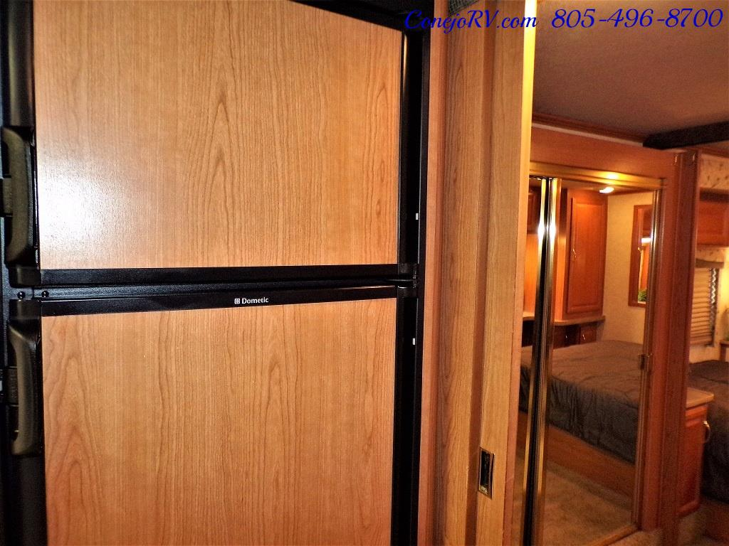 2001 Fleetwood Bounder 33R Double Slide Outs - Photo 17 - Thousand Oaks, CA 91360