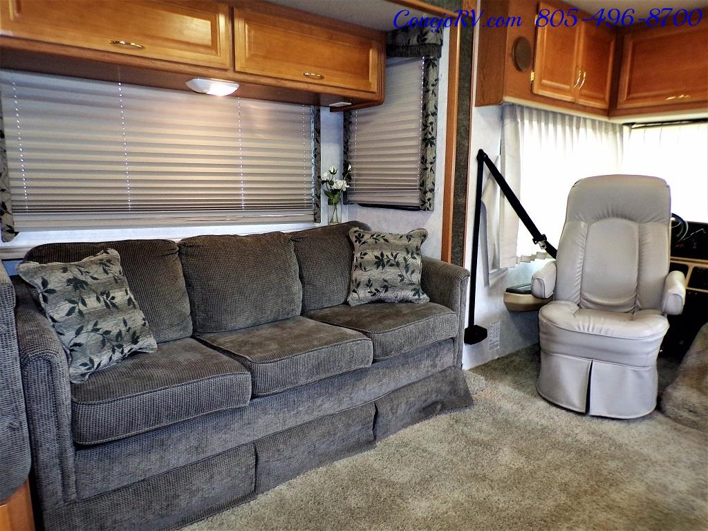 2001 Fleetwood Bounder 33R Double Slide Outs - Photo 10 - Thousand Oaks, CA 91360