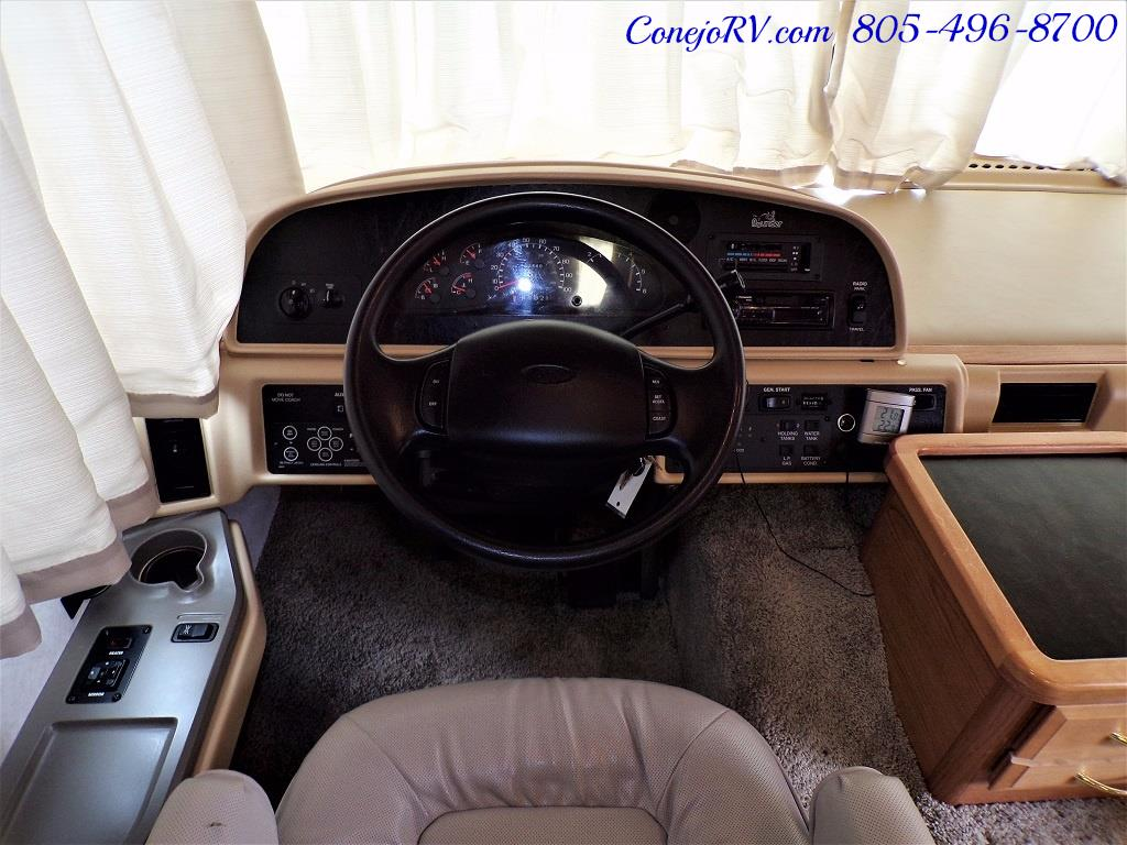 2001 Fleetwood Bounder 33R Double Slide Outs - Photo 30 - Thousand Oaks, CA 91360