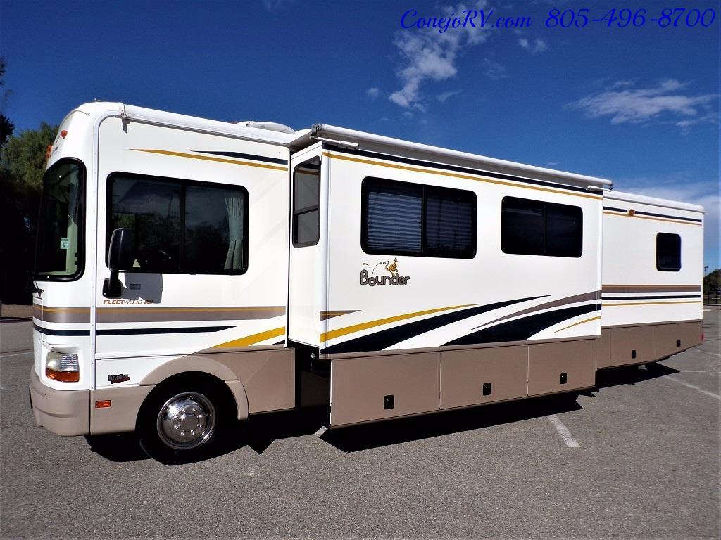 2001 Fleetwood Bounder 33R Double Slide Outs - Photo 39 - Thousand Oaks, CA 91360