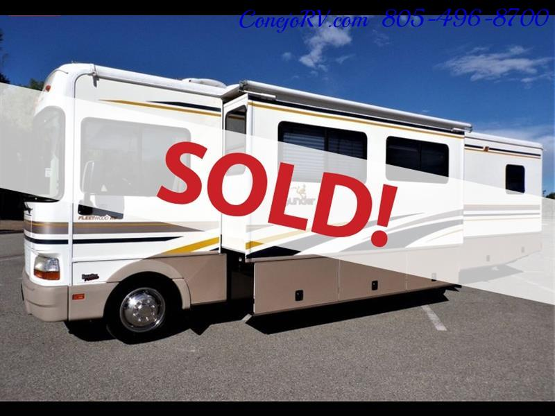 2001 Fleetwood Bounder 33R Double Slide Outs - Photo 1 - Thousand Oaks, CA 91360