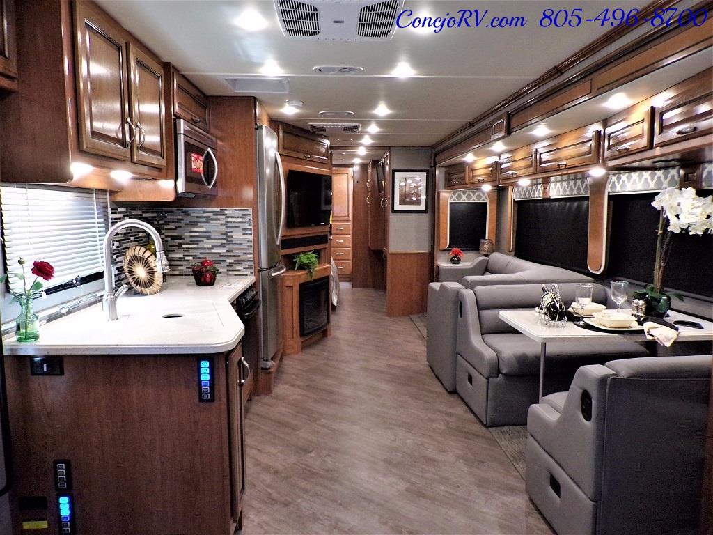 2018 Fleetwood Bounder LX 35K Bath and Half King Bed - Photo 7 - Thousand Oaks, CA 91360
