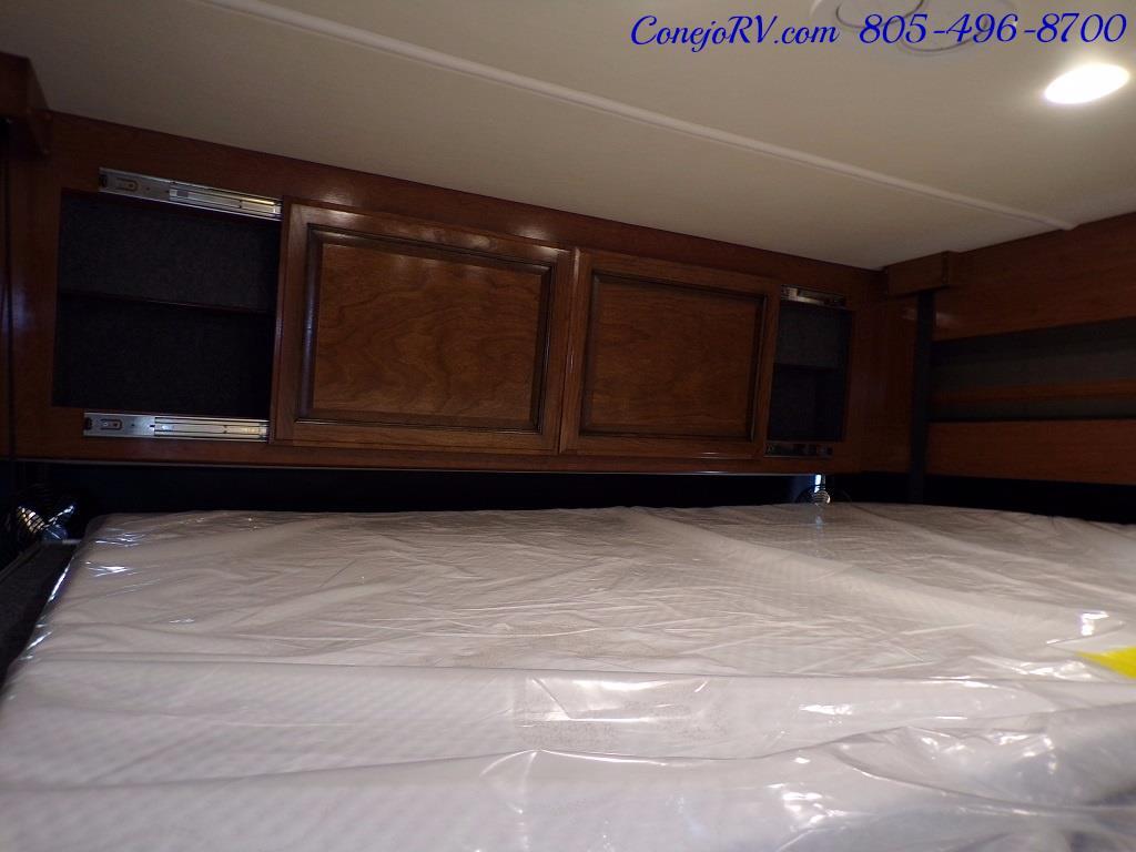 2018 Fleetwood Bounder LX 35K Bath and Half King Bed - Photo 33 - Thousand Oaks, CA 91360
