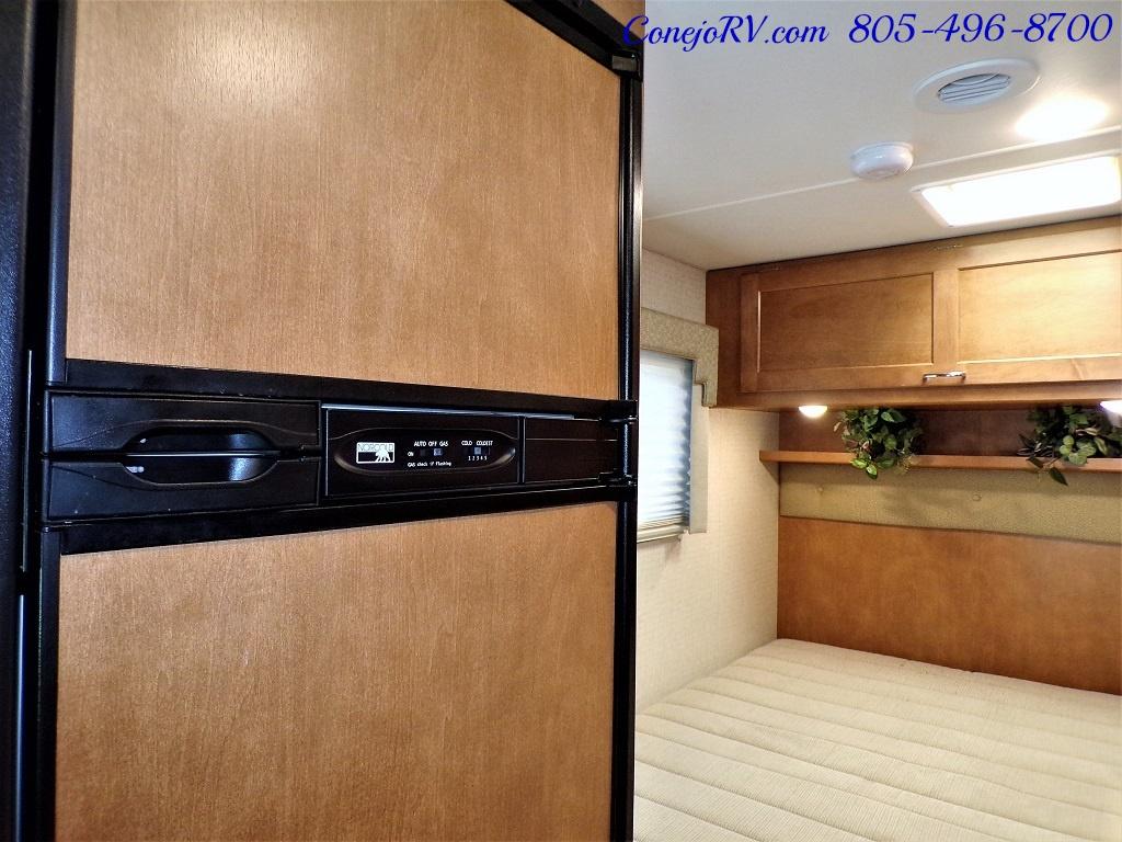 2017 Winnebago Minnie 22R Ford E-450 - Photo 11 - Thousand Oaks, CA 91360
