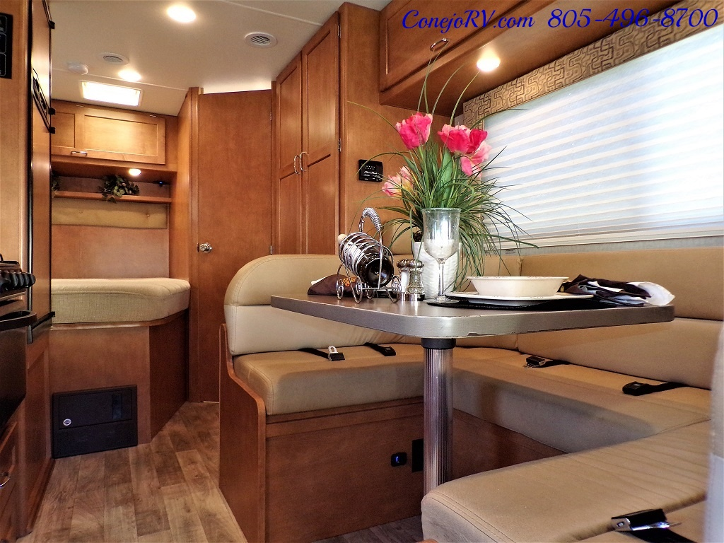 2017 Winnebago Minnie 22R Ford E-450 - Photo 6 - Thousand Oaks, CA 91360
