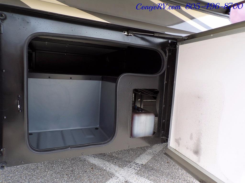 2018 Fleetwood Bounder LX 33C 2-Slide Big Chassis King Bed - Photo 42 - Thousand Oaks, CA 91360