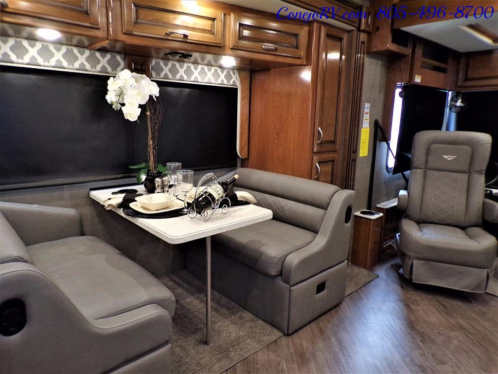 2018 Fleetwood Bounder LX 33C 2-Slide Big Chassis King Bed - Photo 12 - Thousand Oaks, CA 91360
