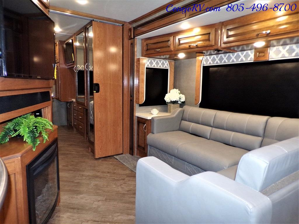 2018 Fleetwood Bounder LX 33C 2-Slide Big Chassis King Bed - Photo 16 - Thousand Oaks, CA 91360