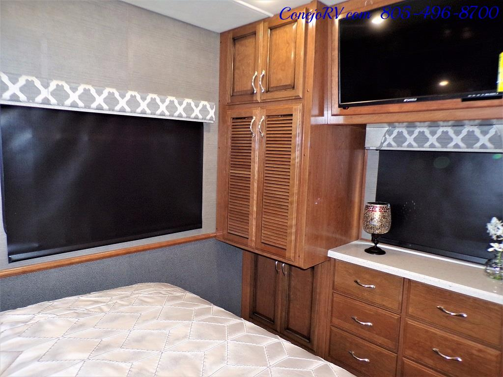2018 Fleetwood Bounder LX 33C 2-Slide Big Chassis King Bed - Photo 26 - Thousand Oaks, CA 91360
