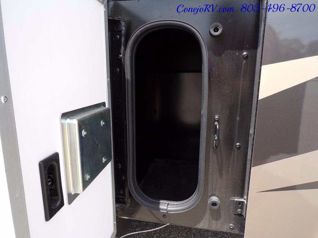 2018 Fleetwood Bounder LX 33C 2-Slide Big Chassis King Bed - Photo 48 - Thousand Oaks, CA 91360