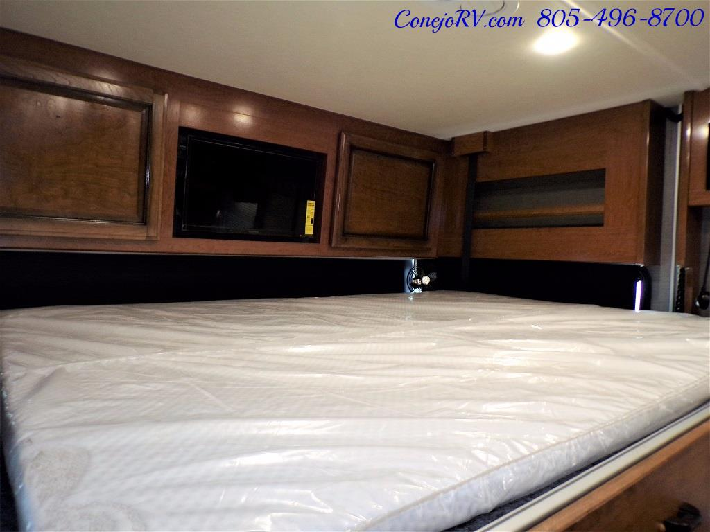 2018 Fleetwood Bounder LX 33C 2-Slide Big Chassis King Bed - Photo 34 - Thousand Oaks, CA 91360