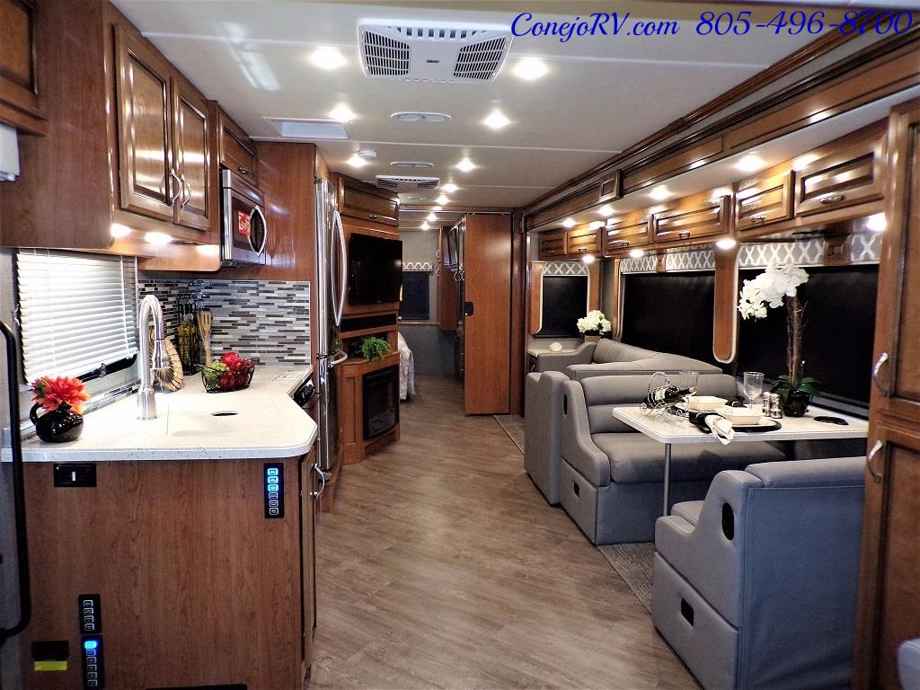 2018 Fleetwood Bounder LX 33C 2-Slide Big Chassis King Bed - Photo 7 - Thousand Oaks, CA 91360