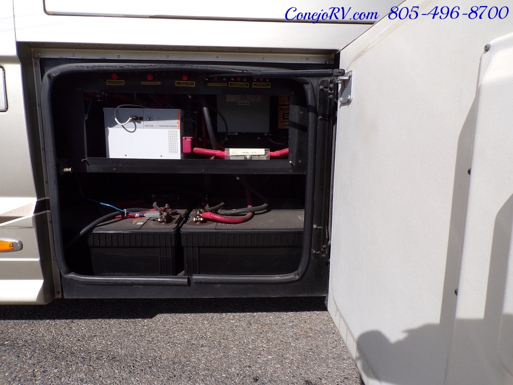 2006 Country Coach Intrigue 530 Ovation Quad Slide King Bed 525hp - Photo 40 - Thousand Oaks, CA 91360
