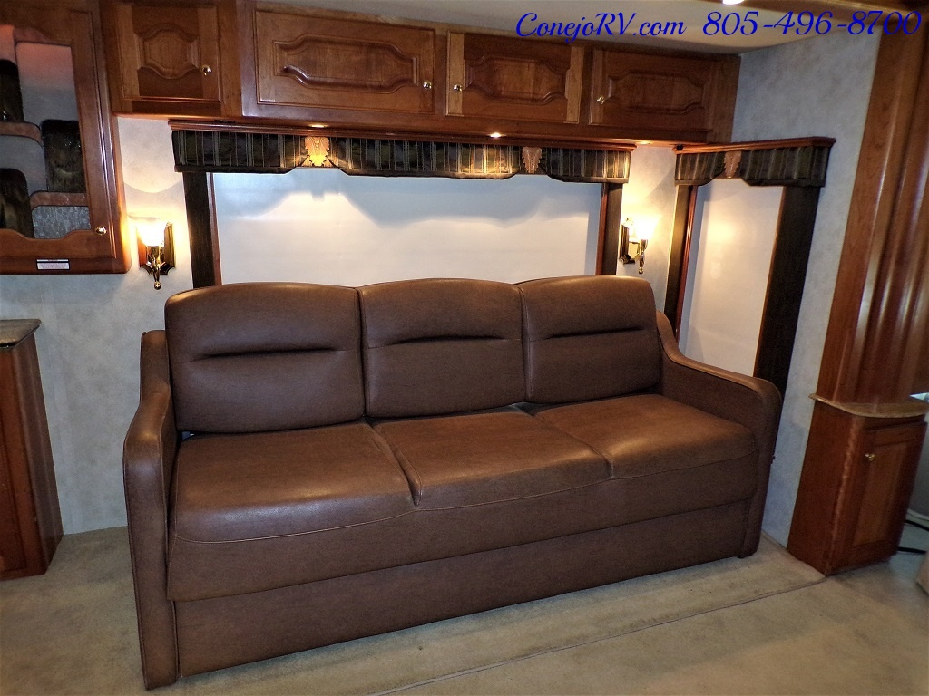 2006 Country Coach Intrigue 530 Ovation Quad Slide King Bed 525hp - Photo 9 - Thousand Oaks, CA 91360