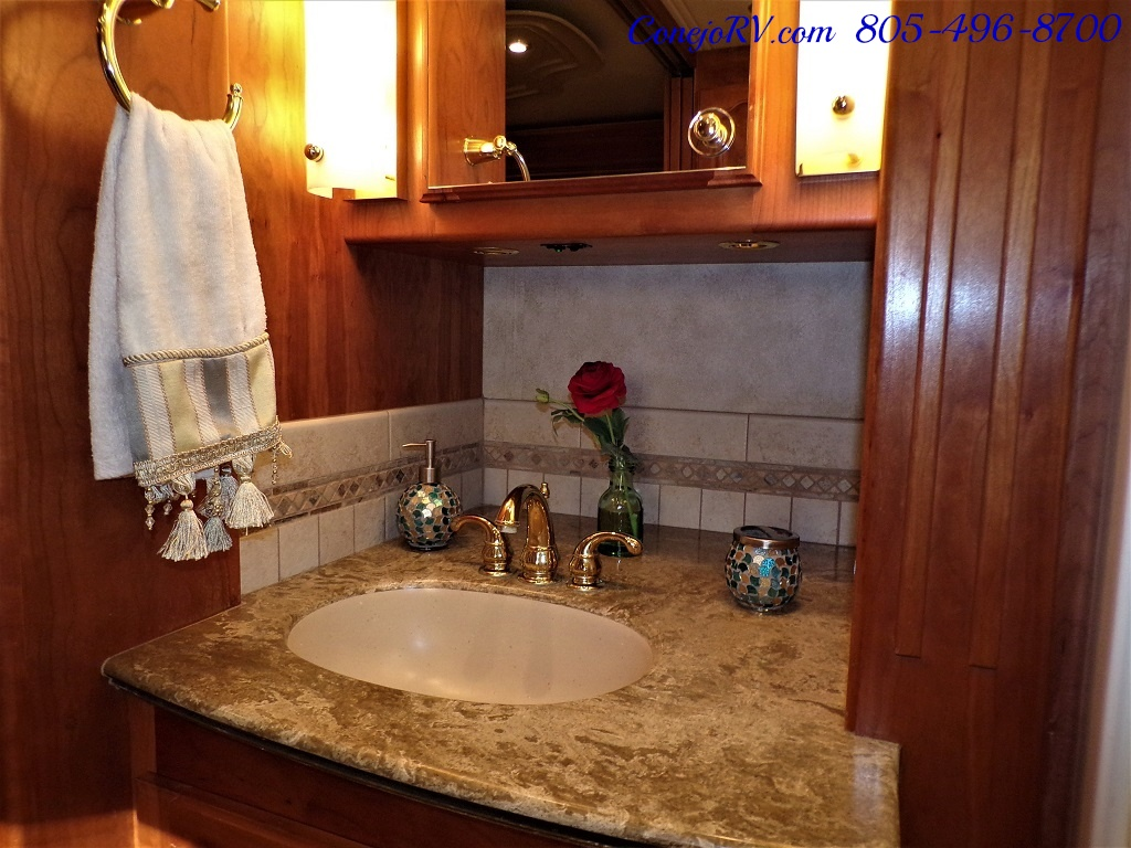 2006 Country Coach Intrigue 530 Ovation Quad Slide King Bed 525hp - Photo 21 - Thousand Oaks, CA 91360