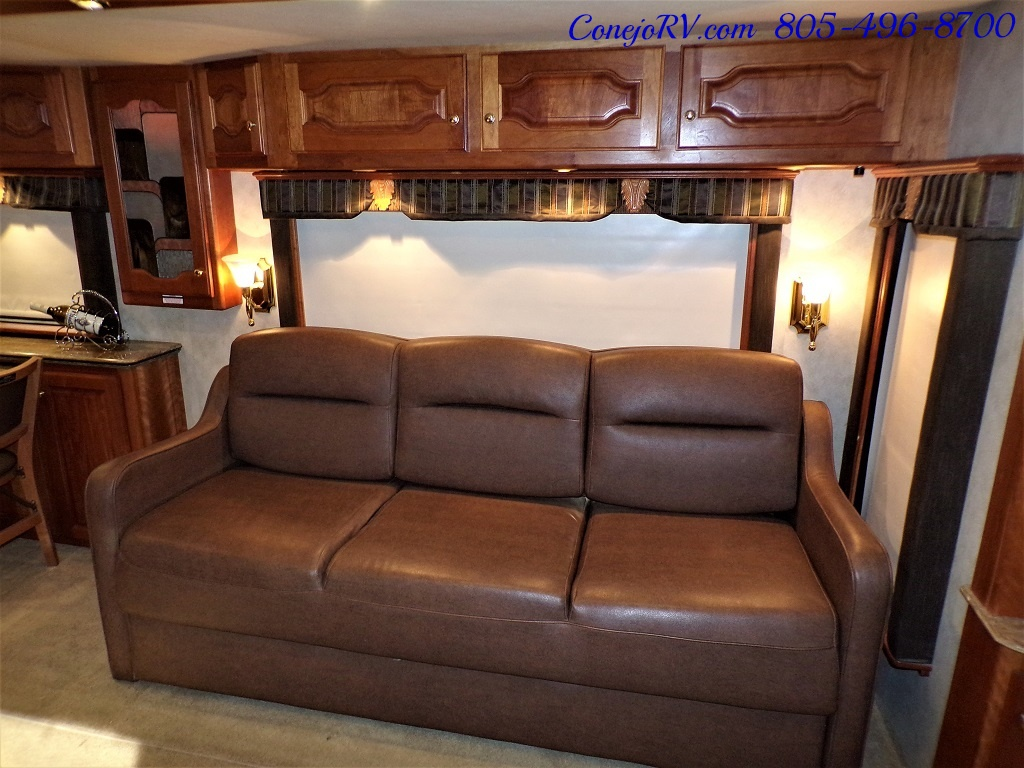 2006 Country Coach Intrigue 530 Ovation Quad Slide King Bed 525hp - Photo 8 - Thousand Oaks, CA 91360
